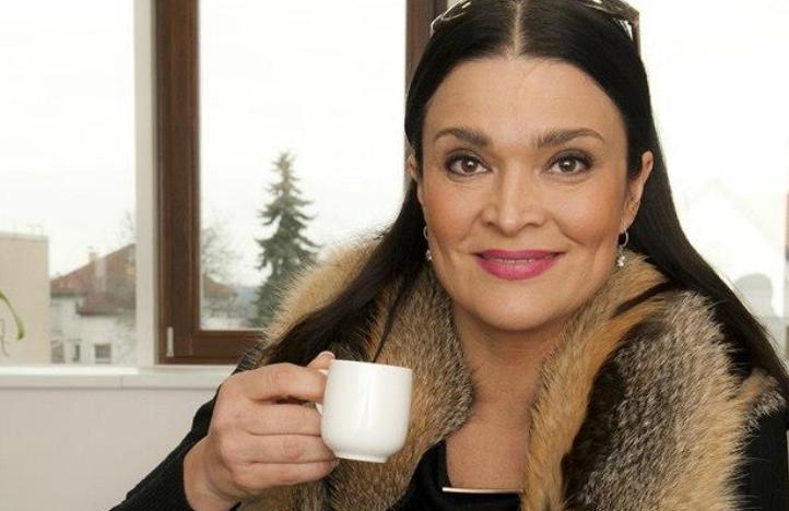 >Revue idnes.cz - Mahulena Bočanová o plastikách: Řezat bych do sebe nenechala